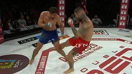 Samuel Krištofič a Petr Kareš, zápas v barmském boxu, tedy bez rukavic.