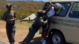 Cyklista Dlamini měl konflikt se strážci národního parku u Kapského Města
