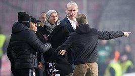 Druhá půle byla jedním z našich nejhorších výkonů v celé sezoně, hodnotil Václav Jílek. Vyřídit si to s ním běžel fanoušek
