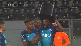 Fanoušci rasisticky uráželi fotbalistu Porta Moussu Maregu