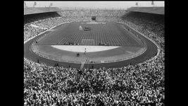 Wembley otevřelo své brány v roce 1923, archivní záběry zachycují finále FA Cupu z let 1931 a 1968