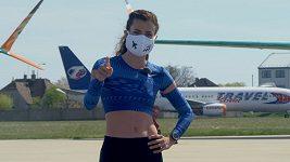 Česká reprezentantka Kristiina Mäki vyrazila trénovat na letiště.