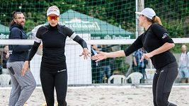 Konečně spolu! Plážové volejbalistky Markéta Nausch Sluková s Barborou Hermannovou se potkaly po dvou měsících.