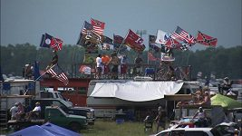 Závodní série NASCAR zákazal používání jižanských vlajek.