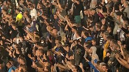 Derby mezi Partizanem a Crvenou zvezdou sledovalo 16 000 fanoušků