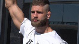Jak dopadne premiéra Jiřího Denisy Procházky v UFC? Rozhodne jeho nečitelný styl?