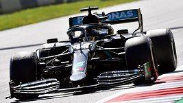 Možná, že je Hamilton trochu víc pod tlakem a začíná chybovat, říká Tomáš Enge o startu MS F1