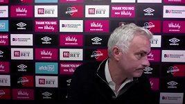 Frustrovaný Mourinho utekl z tiskovky