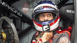 Dvojnásobný mistr světa formule 1 Emerson Fittipaldi a jeho syn jezdili na autodromu v Mostě