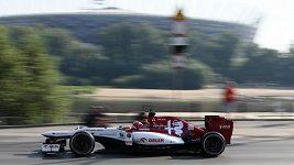 Formule 1 a závodní člun v centru Varšavy. Kdo byl rychlejší?