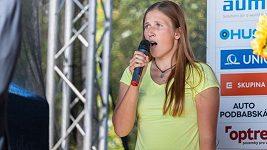 Takhle zpívá kanoistka Eva Říhová. Kdo zazpívá hymnu jí, až vyhraje?