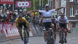 Cyklista Alaphilippe přišel kvůli předčasné oslavě o triumf v Lutychu