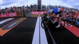 Peter Sagan mířil ve 4. etapě Gira za triumfem, nakonec prohrál o galusku