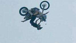 Backflip Libora Podmola na dakarské motorce