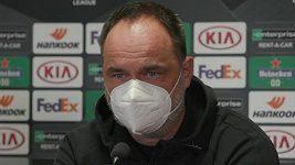 Nastoupí za Slavii proti Leverkusenu i Tomáš Holeš s Peterem Olayinkou?