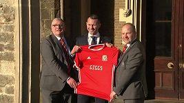 Trenér velšské fotbalové reprezentace Ryan Giggs byl zadržen policií.