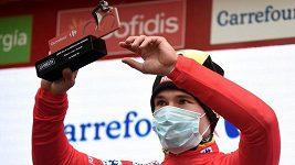 Primož Roglič uhájil v poslední horské 17. etapě Vuelty červený trikot lídra.