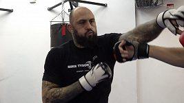 Po více než roce jde zápasník Michal Martínek znovu do práce. Čeká ho premiéra v ruské organizaci ACA