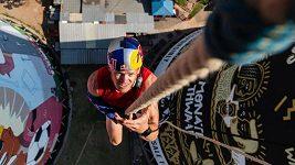 Van Tonder vyšplhal po laně do výšky 90 metrů