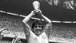 Diego Maradona, jeden z nejlepších fotbalistů všech dob, zemřel