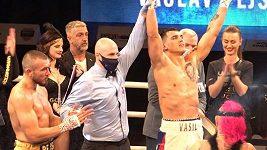 Vasil Ducár už nechce patřit do českého, ale do světového boxu. Hned po titulu spěchal do práce