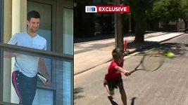 Djokovic sledoval z hotelového balkonu kluky, jak si na ulici pinkají tenis