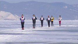 Bývalý kapitán ruské fotbalové reprezentace vyhrál maraton na zamrzlém Bajkalu
