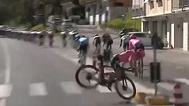 Simon Carr měl na závodu Tirreno-Adriatico děsivou nehodu