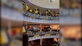 Fanoušci ve Švédsku protestovali proti vládním opatřením