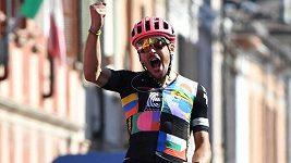 Domácí cyklista Alberto Bettiol vyhrál nejdelší etapu letošního Gira d'Italia
