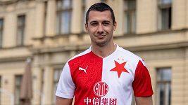 První letní posilou fotbalistů Slavie je útočník Ivan Schranz z Jablonce.