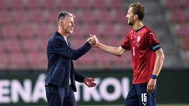 Trenér Jaroslav Šilhavý je po zápase s Albánií klidnější. Chválil stopery