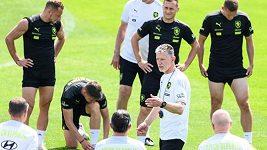 Čeští fotbalisté se v pražském vedru připravují na Anglii. Trénovali bez Michala Sadílka