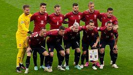 Čeští fotbalisté se dnes potřebovali hlavně vyspat. Teď čekají na jméno soupeře