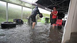 Voda, zmar, nakonec euforie. Formánek se Zárubou se v Zandvoortu posunuli na druhé místo
