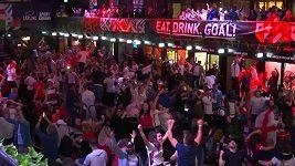 Angličtí fanoušci během semifinále EURO bouřlivě slavili.