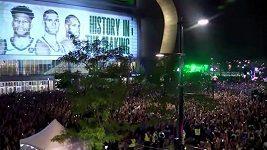 Fanoušci Milwaukee Bucks oslavují titul
