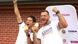 Jak slaví zlatí olympionici? Když už Jiří Prskavec nemůže, Lukáš Krpálek za něj pivo dopije