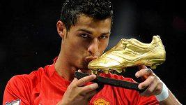 Cristiano Ronaldo přiletěl z Turína do Lisabonu před svým odchodem do Manchesteru United