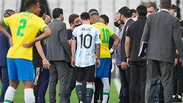 Utkání Brazílie a Argentiny bylo přerušeno po zásahu pracovníků zdravotního úřadu