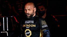 Monsterův rituál. Před bitvou s Brazilcem uteče česká MMA legenda do přírody