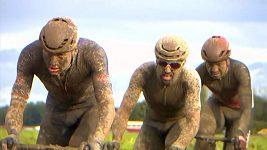 Blátivý chaos při vítězství Colbrelliho na Paříž-Roubaix